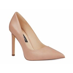 Nine West | Nude Pumps